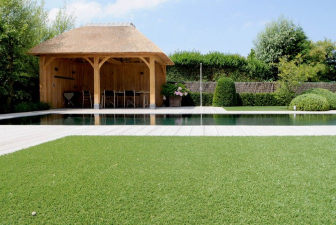 kunstgras/villa/zwembad
